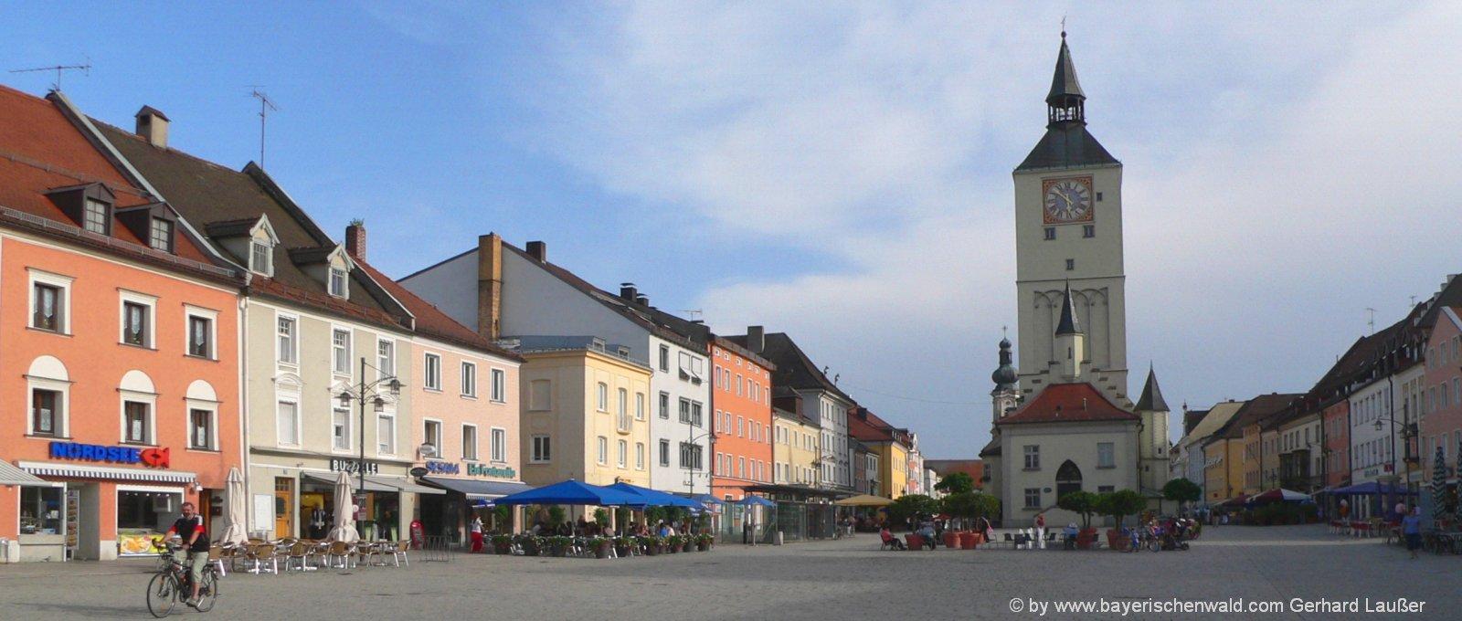 deggendorf-monteurunterrkunft-niederbayern-ausflugsziele-stadtplatz